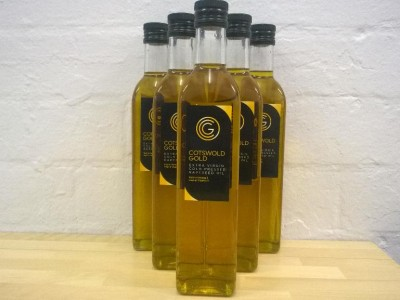 We are now retailing Cotswold gold a range of their olive oils instore.